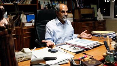 تصویر از نعمت احمدی ؛ از اولین متهمان دادگاه رسیدگی به جرایم سیاسی